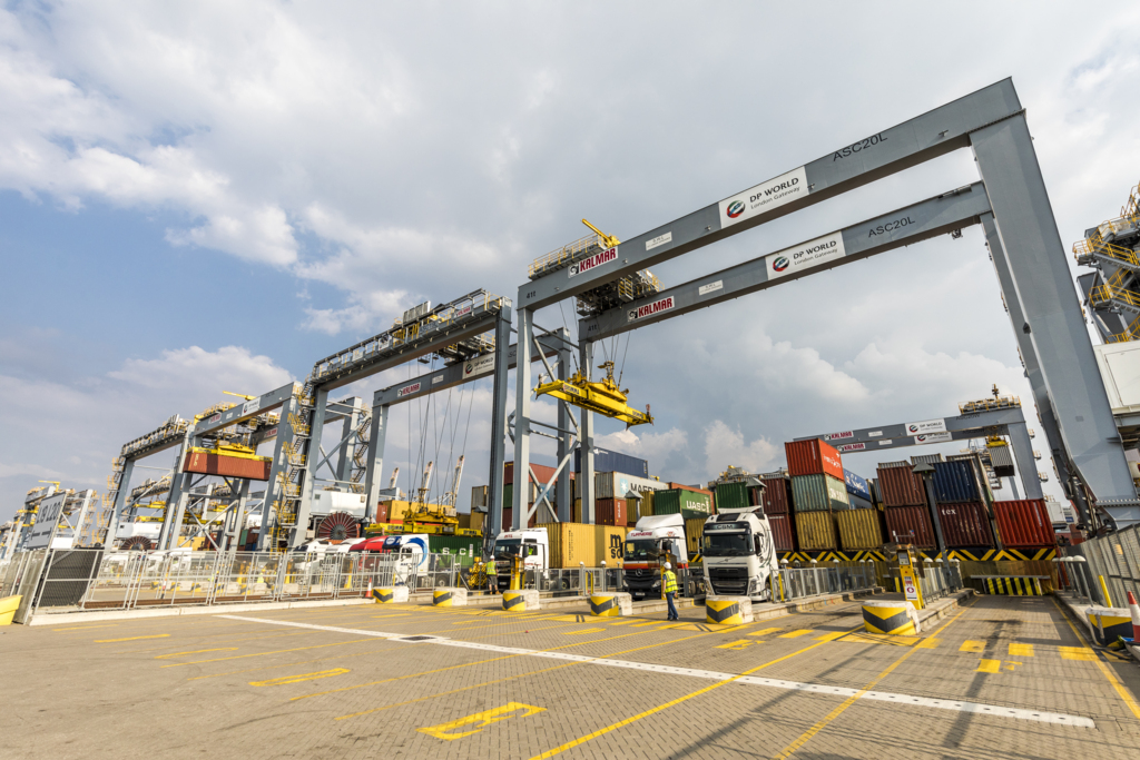 Kalmar ASCs at DP World London Gateway